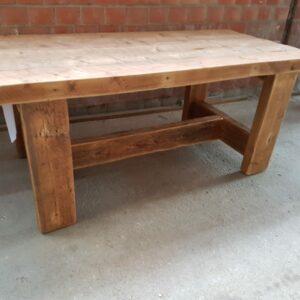 Tisch 1,5 Meter